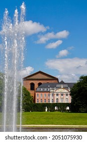 Sights from Roman times and the Middle Ages: Basilica and electoral palace in Trier