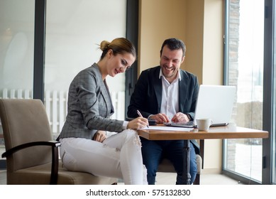 Sigining a contract, business meeting