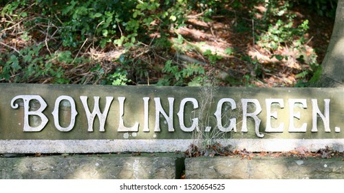 A sign for the Bowling Green