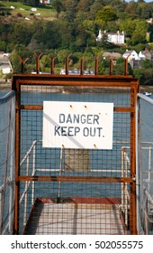 "Sign ""Danger Keep Out"""