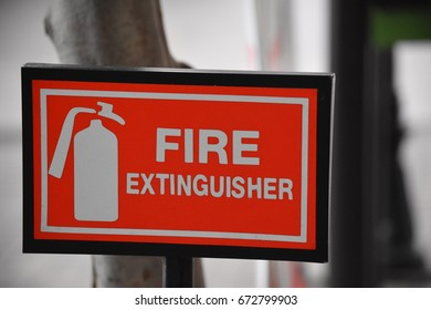 sign of fier extinguisher.