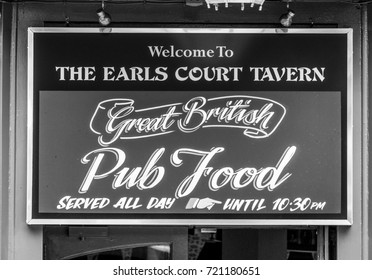 Sign - Great English Pub Food - LONDON / ENGLAND - SEPTEMBER 19, 2016