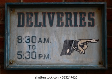 Sign of a guide of business hours