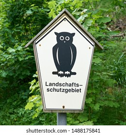 "Sign on a hiking trail in Thuringia with the inscription ""Conservation area"""
