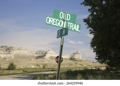 A sign pointing to Oregon Trail Road at Scotts Bluff National Monument, a site on the Oregon Trail, Scottsbluff, Nebraska