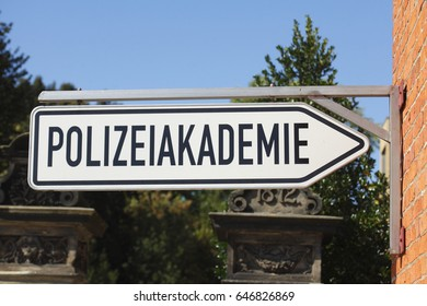 Sign police academy, Polizeiakademie in German