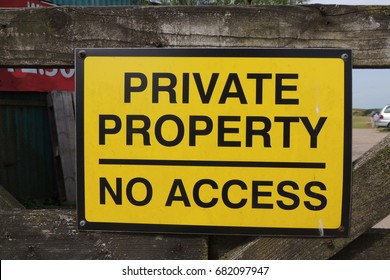 A sign at Portwrinkle in Cornwall - PRIVATE PROPERTY NO ACCESS