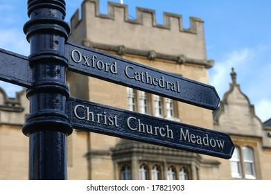 Sign post, Oxford, UK