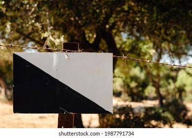 sign-private-hunting-preserve-spain-260n