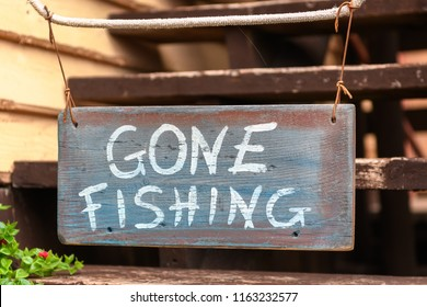 Sign saying Gone Fishing