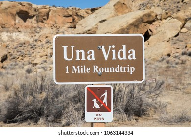 Sign for Una Vida trail at Chaco Canyon National Historic Park