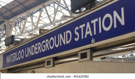 Sign Waterloo Underground Station - LONDON / ENGLAND - SEPTEMBER 15, 2016