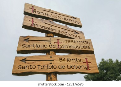 Signage at a crossroads in the Liebana,