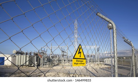 Signal of danger of death by electrocution following an electric shock in the power plant