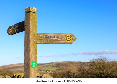 Signpost on the Griststone Trail on the Cheshire Derbyshire border.  Macclesfield, UK - 7th January 2018