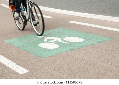 signs indicate the proper and safe driving trace
