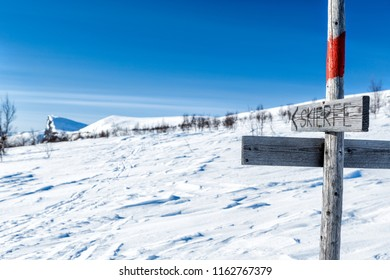 Signs on the Kungsleden Wintertrail