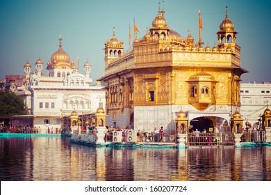 Sikh gurdwara Golden Temple (Harmandir Sahib). Amritsar, Punjab, India