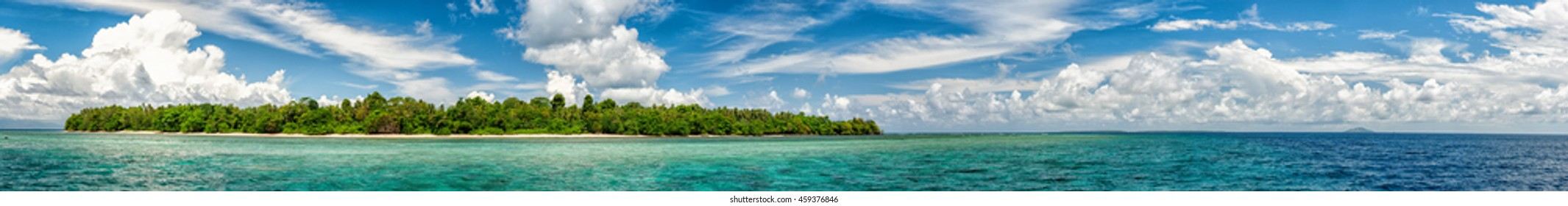 Siladen turquoise tropical paradise island in Indonesia landscape panorama