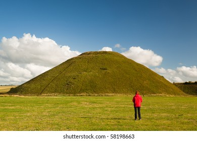Silbury hill, near Avebury, Wiltshire, England