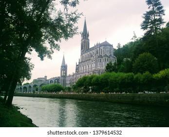 Silence in Lourdes
