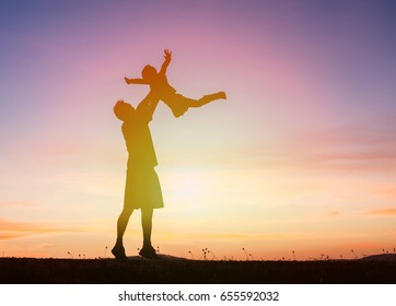 Silhouet family happy