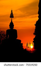 Silhouette of the big Buddha