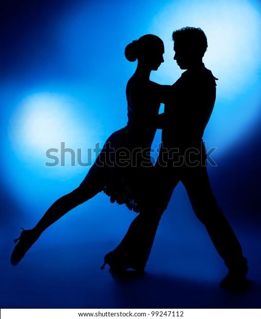 dva datování aplikace tango chilská rande etiketa