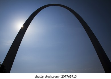 Silhouette of the Gateway Arch.