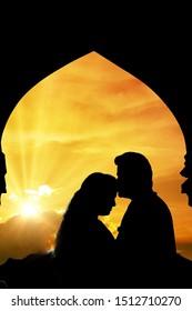 silhouette hoto graphy .beatiful  couple kiss .sunset