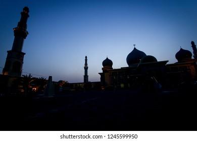 Silhouette of Masjid Agung An Nur Pekanbaru (An Nur Great Mosque Pekanbaru)