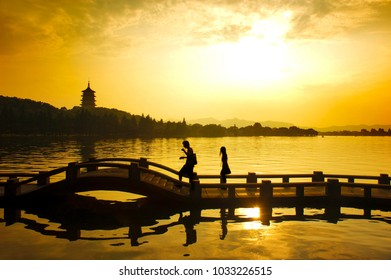 silhouette of a romantic modern couple in ancient china