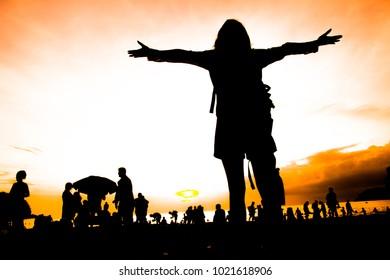 silhouette travel on beach