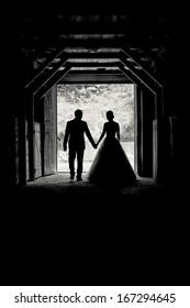silhouettes wedding couple