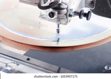 Silicon wafer negative color in die attach machine in semiconductor manufacturing