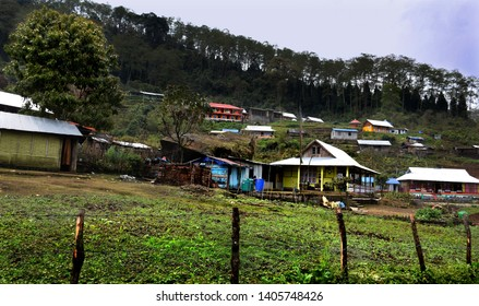 Sillery Gaon, a small village in the Kalimpong, West Bengal, India. Himalayan village hanged at an altitude of 6000 ft. is an ideal romantic flee with a spectacular view of Mount Kanchanjungha..