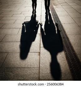 sillhouette couple love