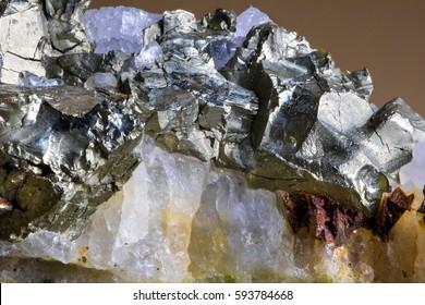 石英の銀鉱
