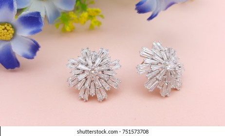 Silver Stud Earrings Beautiful Design of Jewelry Fashion Accessories for Women and lady Shiny crystal or diamond