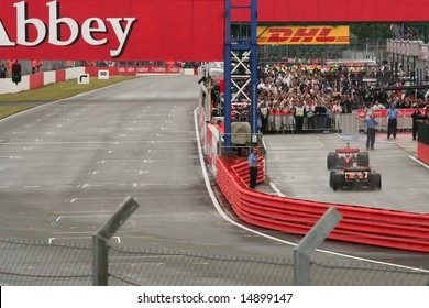 SILVERSTONE, UK - JULY 7: Winning drivers return to the pits, British F1 Grand Prix 2008