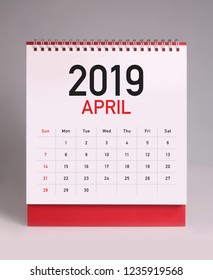 Simple desk calendar for April 2019