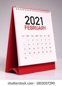 Simple desk calendar for February 2021
