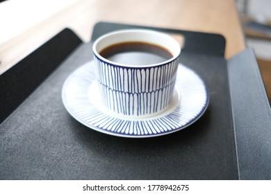 간단하고 고급스러운 커피 한 잔