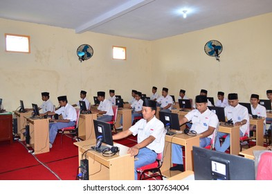 simulation of UNBK (Computer National Exam) which takes place on Monday the 4th of February 2019 in all private Madrasahs and the city of Lumajang