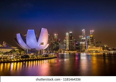 Singapore - 1 September, 2018: Singapore cityscape skyline at the Marina Bay  twilight.