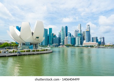 Singapore, 21 Jan 2019 : Beautiful architecture building skyscraper around marina bay in singapore city