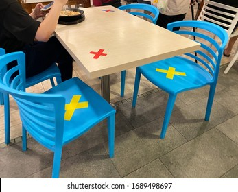 Singapore Apr2020 Social distancing rules in practice, alternate seating in public food courts (restaurants, food outlets), to reduce risk of further transmission; people observing safety measures