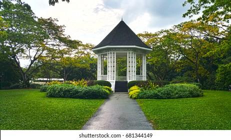 Singapore Botanic Gardens Bandstand - pathway