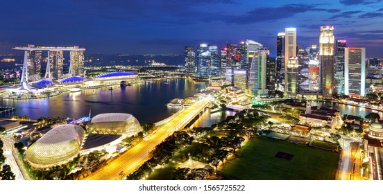 Singapore business district and city at twilight, Asia - panorama