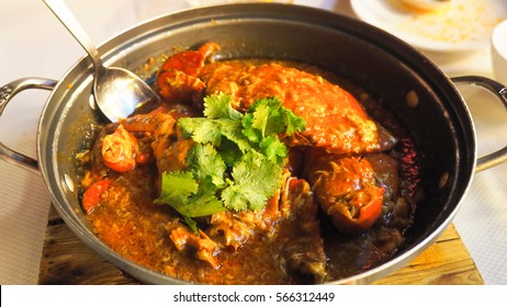 Singapore Chilli Crab is a must thing to try while traveling in Singapore. It is a famous dish of Singaporean food.